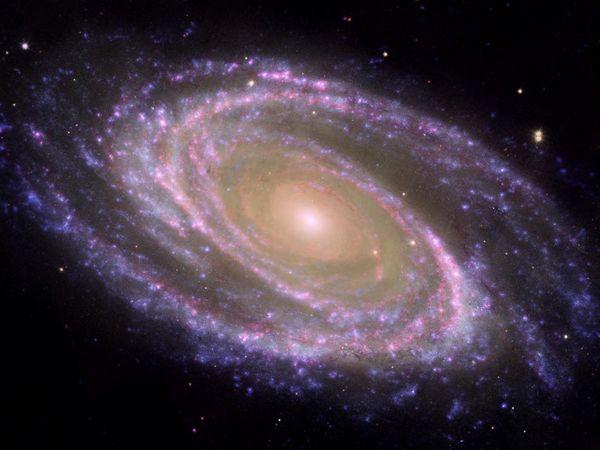 Galáxia Messier 81