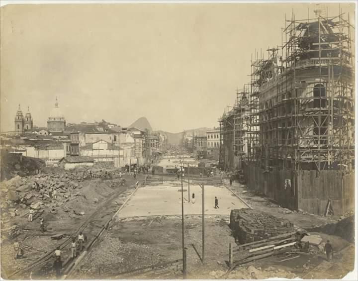 Avenida Rio Branco - 1904