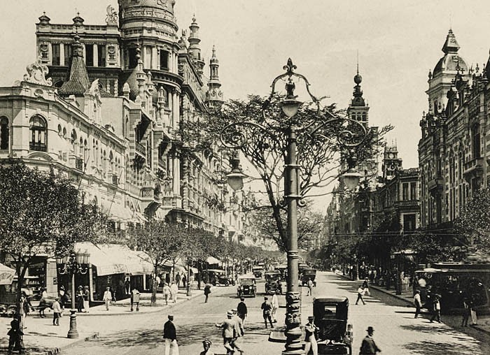 Avenida Rio Branco - 1920 - altura da Rua Buenos Aires, sentido Cinelândia - N. Viggiani