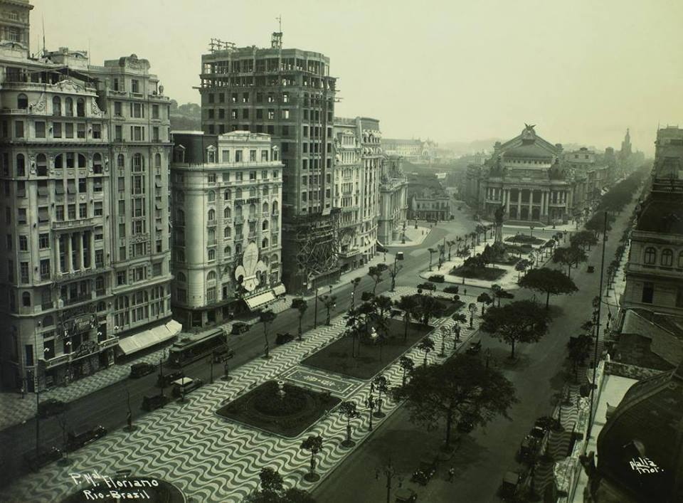 Avenida Rio Branco - Cinelândia em 1927