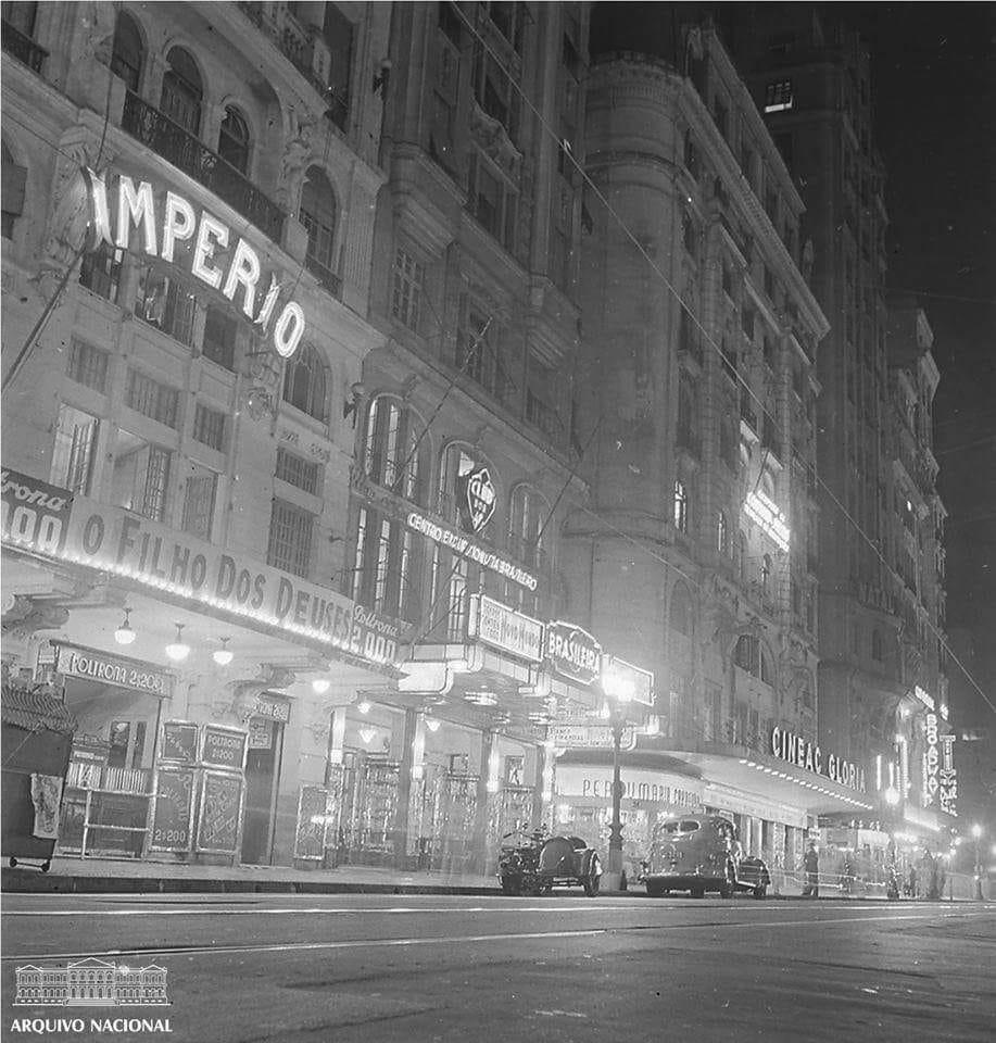 Avenida Rio Branco - Cinelandia em 1941