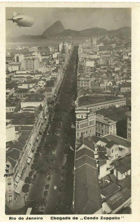 Avenida Rio Branco - Graf Zeppelin - 1930