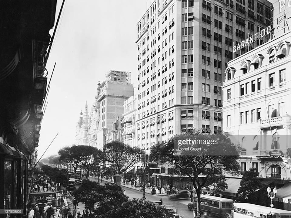 Avenida Rio Branco - Primeiros Edifícios