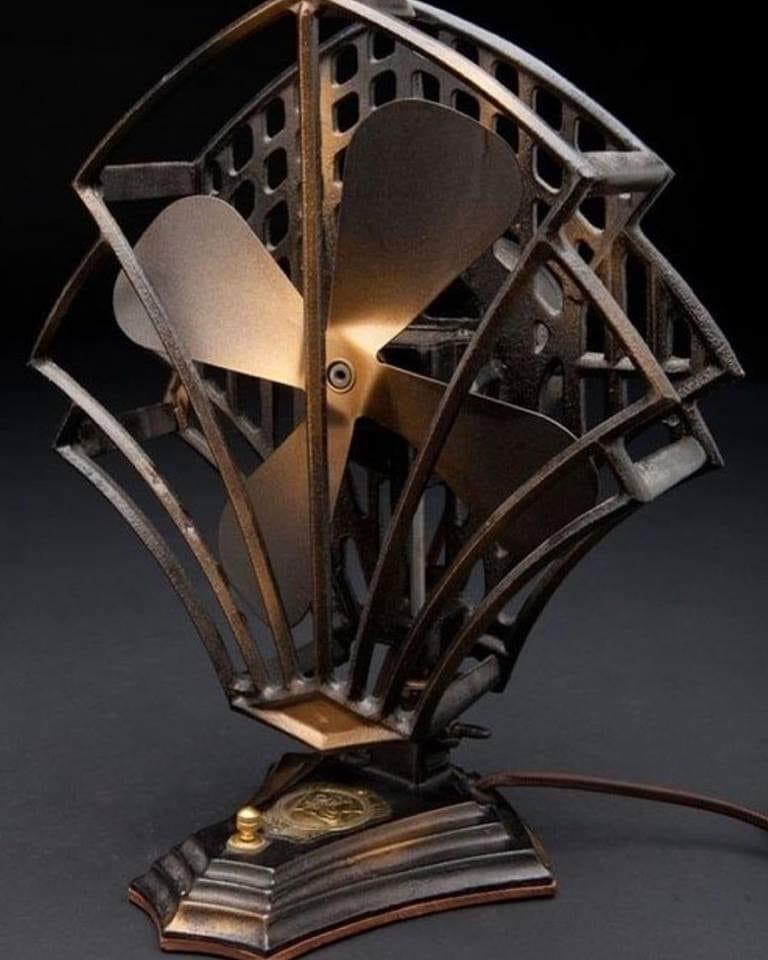 Ventilador de Mesa em Bronze