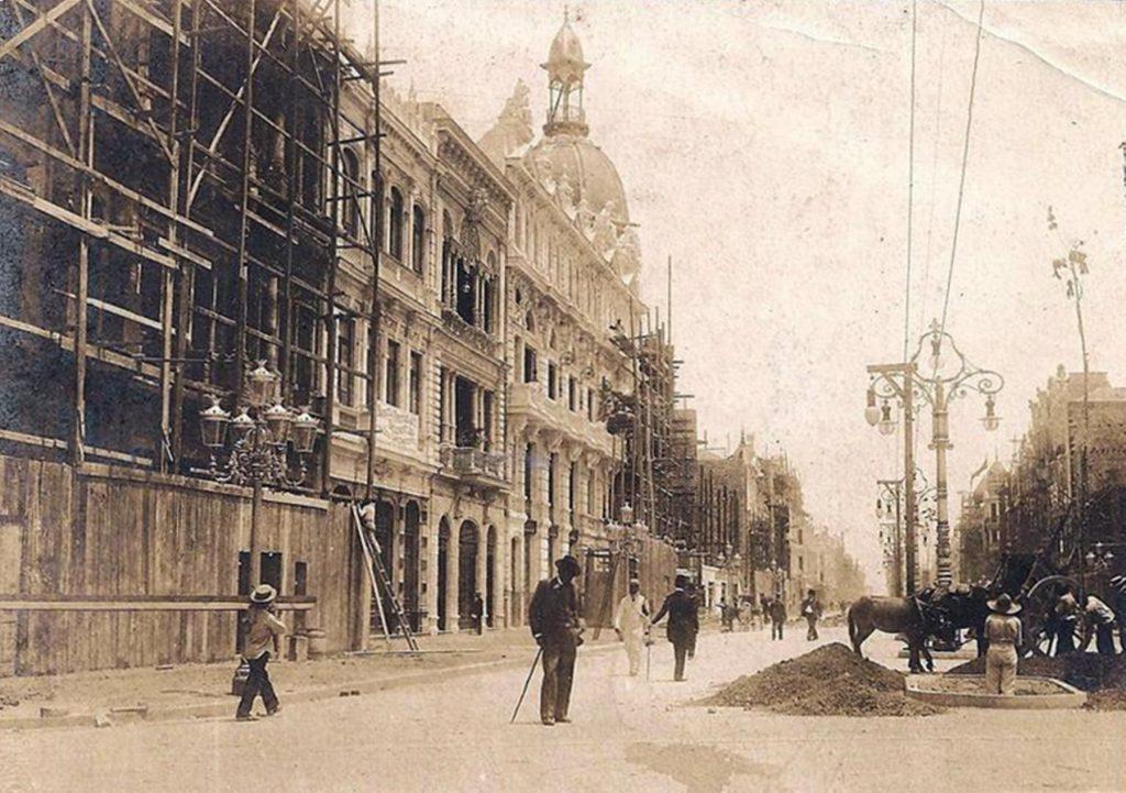 Construção da Avenida Central - 1904